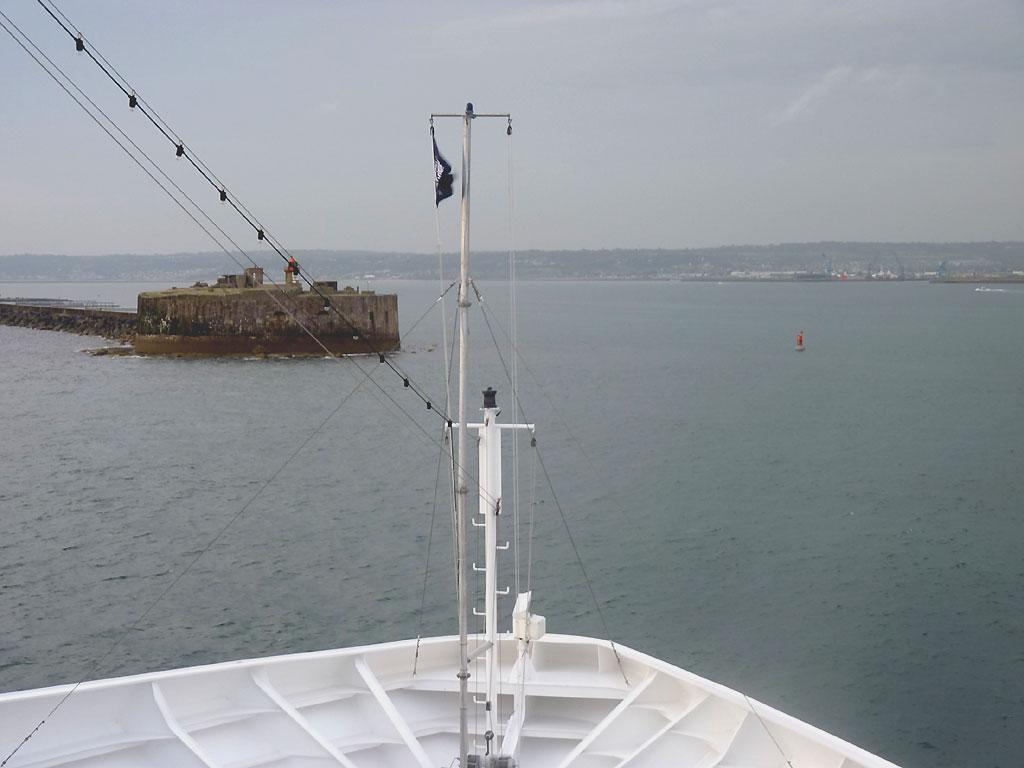 http://www.cargos-paquebots.net/Navigation_au_long_cours/Croisiere_MSC_OPERA/CHERBOURG_22-08-2011/479-Arrivee.jpg