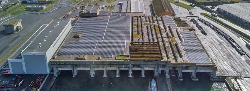 Cette nouvelle installation vient s ajouter à celles déjà réalisées sur  sept hangars portuaires (12 500 m2), ainsi que sur la toiture de la Maison  du Port ... 464d398bbb56
